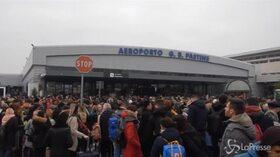 Fiamme a Ciampino, aeroporto evacuato