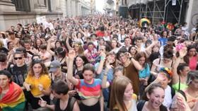 Torino, in migliaia al Pride: c'è anche Vladimir Luxuria