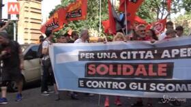 Roma, i movimenti per la casa in piazza per dire no al piano sgomberi di Salvini