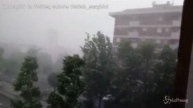 Modena, la terribile grandinata nei video dei cittadini