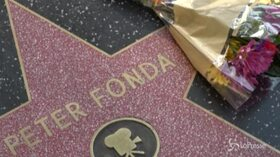 """Morto Peter Fonda, i fan omaggiano l'attore di """"Easy Rider"""""""