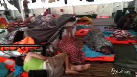 Open Arms, 17 giorno in mare per 107 migranti