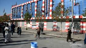 Attentato a Kabul, le immagini dal luogo dell'esplosione