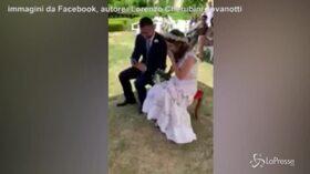 """La sorpesa di Jovanotti alla coppia di sposi: il cantante dedica la canzone """"A te"""""""
