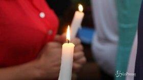 In centinaia alla veglia per l'escursionista trovato morto in Cilento