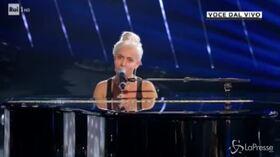 """Lidia Schillaci trionfa nella prima puntata di """"Tale e Quale Show"""", la sua interpretazione di Lady Gaga è straordinaria"""