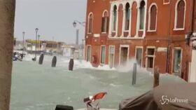 Maltempo, acqua alta da record a Venezia
