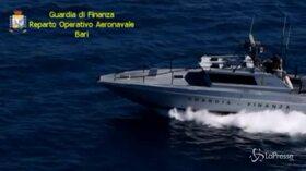 Bari, fermata imbarcazione con a bordo 334 chili di droga: arrestato scafista