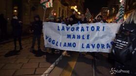 """""""Vertenza Torino"""", fiaccolata per la crisi del lavoro"""
