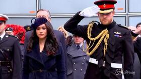 Meghan è tornata in Canada, Harry a Londra per negoziare l'addio